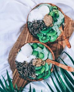 Tropical Kiwifruit Bowls - Beautiful and Delicious Vegan Recipes from Lina Saber - Photos