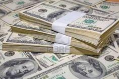 تراجع أسعار الدولار بالبنوك الكبرى خلال تعاملات اليوم - #الاخبار_الاقتصادية تراجعت اليوم أسعار الدولار خلال تعاملات اليوم الإثنين بالبنوك حيث سجل سعر بيع الدولار ببنك مصر 15.85 جنيه وسجل سعر الشراء 15.32 جنيه فيما سجل سعر البيع بالبنك الاهلي المصري 15.80 جنيه و15.30 جنيه للشراء وسجل سعر الدولار ببنك القاهرة 15.90 جنيه للبيع و15.35 جنيه للشراء. فيما سجل السعر بالبنك التجاري الدولي 15.75 جنيه للبيع و15.25 للشراء وبالبنك العربي الافريقي الدولي سجل سعر الشراء 15.25 جنيه وسعر البيع 15.8 جنيه…