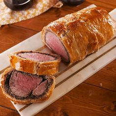 It's a holiday showstopper that is not for the faint of heart. We break down all the elements of a classic Beef Wellington from the inside out, so you can fearlessly continue to make the best Wellington you can. Easy Beef Wellington, Wellington Food, Recipe For Beef Wellington, Beef Wellington Sauce, Gordon Ramsay Beef Wellington, Ground Beef Wellington, Individual Beef Wellington, Slow Cooker Beef, Beef Welington
