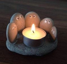 This little rock candle holder is ideal for any summer time evening and even your livi. - This little rock candle holder is ideal for any summer time evening and even your livi. This little rock candle holder is ideal for any summer time . Stone Crafts, Rock Crafts, Cute Crafts, Crafts To Sell, Diy Crafts, Garden Crafts, Sell Diy, Homemade Crafts, Decor Crafts