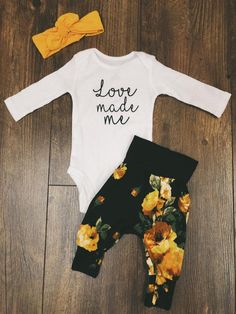 All the sweetness in the world! Love these harem pants with this onesie!☺️ Oh and isn't the floral gorgeous?😍 Source by jenmariecarter clothes Fashion Kids, Baby Girl Fashion, Baby Girls, My Baby Girl, Baby Girl Stuff, Baby Baby, Sew Baby, Baby Outfits, Little Babies