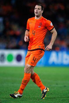 ~ Ron Vlaar on Netherlands National Team ~