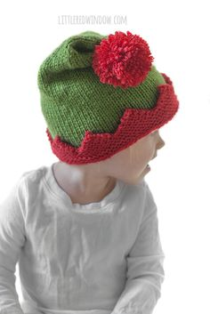 Adorable Christmas Elf Hat knitting pattern, your baby or toddler will be ready to help Santa this year with this cute Christmas Elf Hat! Kids Knitting Patterns, Loom Knitting Projects, Baby Hats Knitting, Crochet Baby Hats, Knitting For Kids, Knitted Hats, Hat Patterns, Loom Knit Hat, Knit Beanie Hat