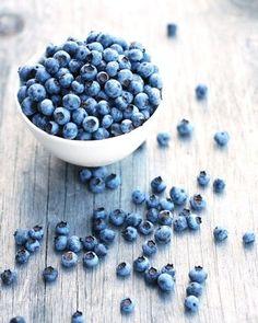 Bleu comme ... • Des myrtilles , en veux tu en voilà ! ♥