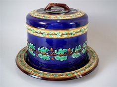 Wedgwood Majolica oak leaves cheese dome and stand