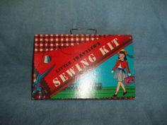VINTAGE 1957LITTLE TRAVELER SEWING KIT ORIGINAL TRANSOGRAM  CHILD DOLL SCISSORS