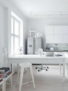 White home office - Stunning!