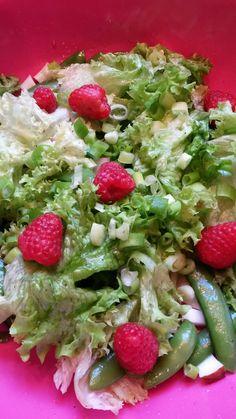 Plantaardig zonder banaan: Gezonde paprikafestivalsnacks met linzenstoof en frisse salade