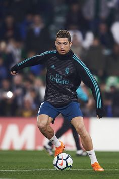Cristiano Ronaldo Photos - Cristiano Ronaldo of Real Madrid controls the ball during a Real Madrid training session prior to the La Liga match between Real Betis and Real Madrid at Benito Villamrin stadium on February 18, 2018 in Seville, Spain. - Real Betis v Real Madrid - La Liga