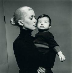 Catherine Deneuve with Chiara Mastroianni, by Richard Avedon