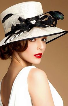 Welcome to the blog of beautiful dreams about everything classy, elegant, chic, feminine, luxurious,...