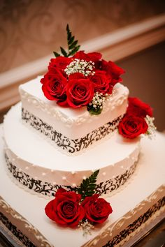 Just really like the flowers on this, would have it fill top tier & perhaps bigger flowers Engagement Cake Design, Engagement Mehndi Designs, Engagement Cakes, Black Wedding Cakes, Themed Wedding Cakes, Rose Wedding, Themed Cakes, Chelsea Wedding, Birthday Cake With Flowers