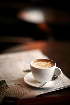 De eenvoud van de Lucaffé Total White espressokop laat de kleur en smaak van de koffie volledig tot zijn recht komen.