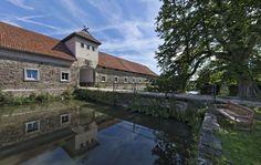Rittergut Remeringhausen: Das Rittergut Remeringhausen bietet sich ebenso für Ihre Familienfeier oder Ihren Firmenevent an, als auch für kulturelle Veranstaltungen, Konzerte und als romantische Filmkulisse. 10 Minuten von der Autobahn A2 und ca. 30 Minuten von der Innenstadt...