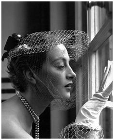 "wehadfacesthen: "" Capucine wearing a hat by Jean Barthet, photo by Georges Dambier "" Look Vintage, Vintage Glamour, Vintage Beauty, Vintage Dresses, Vintage Outfits, Vintage Fashion Photography, Bw Photography, Wearing A Hat, Isabella Rossellini"