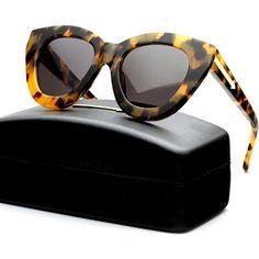 Karen Walker tortoiseshell sunglasses - classic cat eye shape