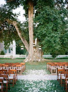 Photography: Austin Gros - austingros.com  Read More: http://www.stylemepretty.com/2014/04/14/elegant-tennessee-plantation-wedding/