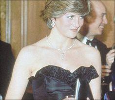 diana and dodi last hours - Princess Diana Photo (18767864) - Fanpop Princess Diana Images, Princess Of Wales, Eliza Spencer, Kitty Spencer, Age Progression, Naomi Watts, Lady Diana, Look Alike, On Set