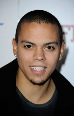 Evan Ross MMmm Come to mahmei <3