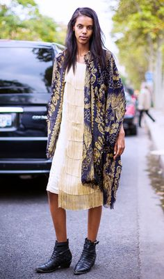 Grace Mahary - The Lazy Girl's Guide To Looking Like A Model Off Duty via Winter Mode Outfits, Winter Fashion Outfits, Street Style, Street Chic, Mod Fashion, Fashion Looks, Fashion Tips, Poncho, Matches Fashion