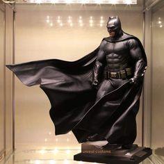 "6,921 Likes, 43 Comments - @colecionatoy on Instagram: ""The Batman ! (Shared: @unrealtoys) #colecionatoy #batman #hottoys"""