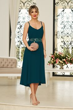 StarShinerS green occasional midi dress from veil fabric with v-neckline with straps accessorized with tied waistband Baptism Dress, Dress Cuts, Special Occasion Dresses, Size Clothing, Veil, New Dress, Dress Outfits, Curvy, Neckline