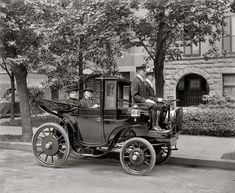 """Washington, D.C., circa 1906. """"Senator George P. Wetmore, Rhode Island."""" Who can identify the car? (The current consensus: Krieger electric landaulet, from France.) Harris & Ewing Collection glass negative."""