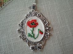 This Pin was discovered by ann Small Cross Stitch, Cross Stitch Flowers, Cross Stitch Designs, Cross Stitch Patterns, Cross Stitching, Cross Stitch Embroidery, Embroidery Patterns, Hand Embroidery, Sewing Patterns