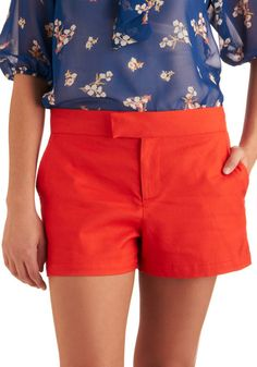 Red shorts <3