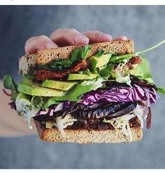 This delicious sandwich from @thefeedfeed @shanyaraleonie @beautifulcuisines  #yummy #cool #delicius #food #eat #foodphotography #foodie #coffee #tumblr #blog #blogger #sandwich #lunch #bbg #vegan #kaylaitsines #color #healthy #happy #fitness #feedfeed #food52 #travel #foodstyling #eeeeeats #smile #lifestyle #healthyfood