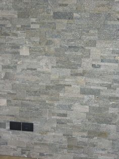 Parete in finta pietra presso casa privata a Cornuda (TV)