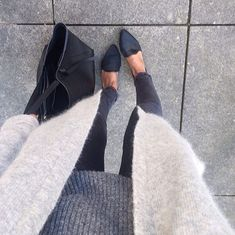 simple style, grey cardigan, black jeans and pumps, love this look…