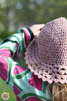 ohje virkattuun kesälakkiin Knit Crochet, Crochet Hats, Huaraches, Nike Huarache, Knitted Hats, Sneakers Nike, Knitting, Handmade, Shoes