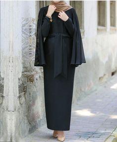 #annahhariri #modestdress #longblackdress I always adore her modest style