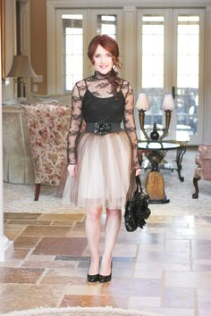 Cute tulle skirt tutorial. Great for a night out. Can perhaps make it a little shorter for a more fun look.