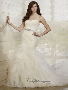 Whimsical Fit and Flare Sweetheart Wedding Dresses with Tiered Layeres Skirt