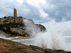 Torre de vigilancia en la costa de Castellón, Spain.