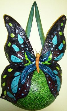 I LOVE this idea or making it fairy wings with the fairy basking in the Sun on my belly Pregnancy Art, Pregnancy Photos, Maternity Pictures, Pregnant Belly Cast, Belly Cast Decorating, Belly Art, Belly Casting, Body Cast, Cast Art
