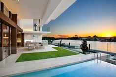 QUEENSLAND has been recognised as a national hot spot for home design with a Sunshine Coast house last night taking home the top gong at the National Building Design Awards. Beautiful Architecture, Contemporary Architecture, Interior Architecture, Sunshine Coast, Interior Exterior, Exterior Design, Beautiful Modern Homes, National Building, River House