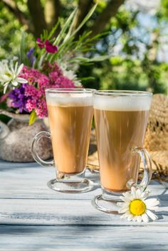 Can you lose 10 pounds in a week? It can be possible by using a healthy fast like Almased without exercise and using Almased as part of your weight loss diet plan Fat Coffee, Coffee Shake, Coffee Creamer, Shake Recipes, Smoothie Recipes, Smoothies, Beef Recipes, Recipies, Almased Recipes