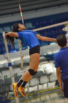 The Philippines' Volleyball Phenom. Ateneo Lady Eagles' queen and ace. ALYSSA CAYMO VALDEZ. Isn't her form majestic? Alyssa Valdez, Volleyball Pictures, Volleyball Players, Ariana Grande, Crushes, Strong, Running, Eagles, Lady