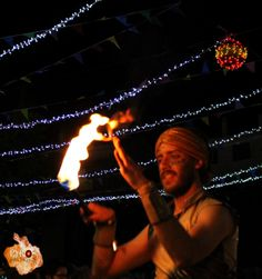 Juego con fuego Play with fire www.pyrosespectaculos.tk