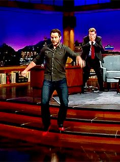 Chris Pratt traipsing about in high heels!