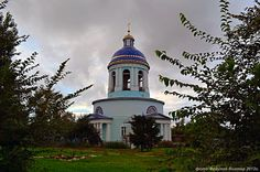 Trinity Church. Bondari village, Tambov region. . Trinity Church stone, warm. built in 1839