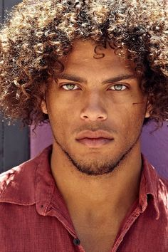 Alternate Enjolras. I'm looking for Ferre's and Courf's but this guy is totally Enj-fierce