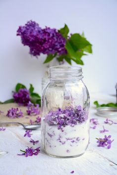 Here are some beautiful and tasty lilac flower recipes providing seasonal spring enjoyment. Lilac flowers are edible and have many wonderful uses. Lilac flowers have a fragrant scent that can be infused into culinary lilac flower creations. Lilac Flowers, Edible Flowers, Purple Roses, Flower Food, Canning Recipes, Drink Recipes, Food Storage, Preserves, Herbalism