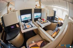 A photo tour of Etihad's new Boeing first, business and economy class - Bangalore Aviation Etihad Business Class, Flying First Class, Boeing 787 Dreamliner, Fly Around The World, Interior Design Colleges, Aircraft Interiors, Air Travel, Tours, Cabin