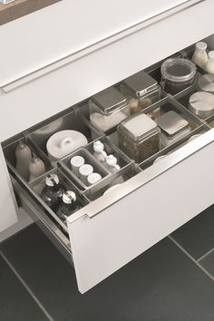 Loistava järjestys keittiössä Kittchen drawer organizing by Noblessa