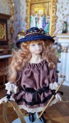 Liz Staryk, IGMA fellow - porcelain little girl
