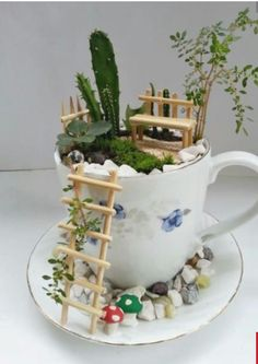 DIY fairy garden ideas are whimsical, pretty, and easy to make. Here are 20 DIY fairy garden ideas to try at home. Garden Crafts, Garden Projects, Garden Ideas, Craft Projects, Plant Crafts, Outdoor Projects, Diy Crafts, Mini Jardin Zen, Teacup Crafts